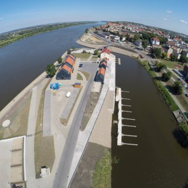 Revitalisation and Adaptation of the Post-Industrial Area in Grudziądz for New Tourist and Recreation Functions